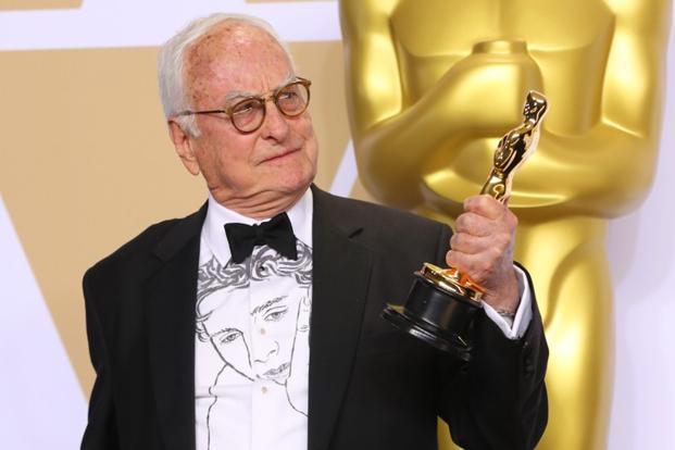 ティモシー・シャラメ、アカデミー賞で話題沸騰「イケメンすぎて呼吸困難」「直視できない美貌」