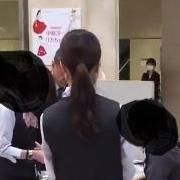 【前代未聞】京都高島屋 転売屋1人が並び屋50人を使い限定100体のSDロリーナを買い占め
