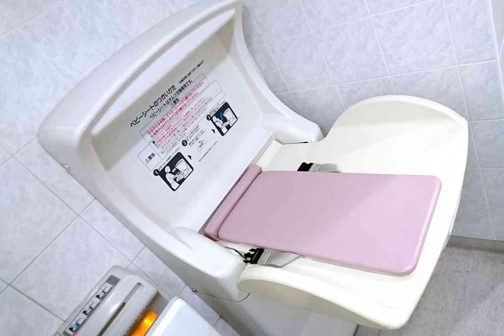 ネットの声が都庁動かした? 「男性トイレにおむつ交換台ない!」→半年後... : J-CASTニュース