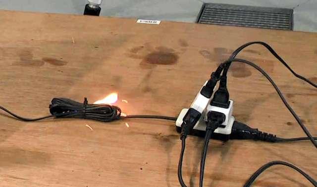 電源タップ「5年以上の使用」で危険、思わぬ火災原因に