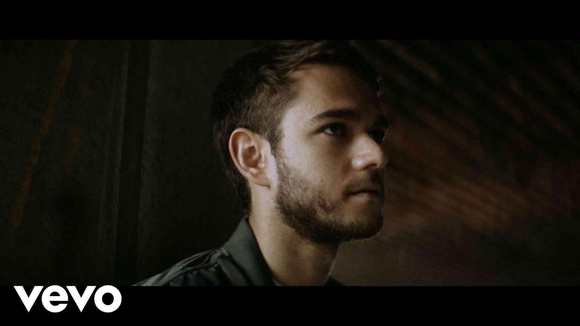 Zedd - Beautiful Now ft. Jon Bellion - YouTube