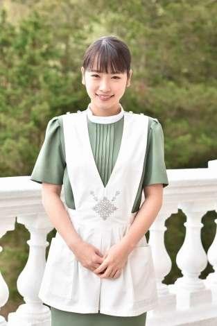 川栄李奈、『崖っぷちホテル!』レギュラー加入「早くみなさんに馴染めるように」