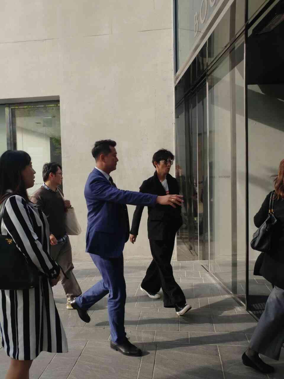"""「韓国人「日本の芸能人""""木村拓哉""""がソウルで目撃される」→「平凡な一般人みたい・・・」」の画像 : 海外の反応 お隣速報"""