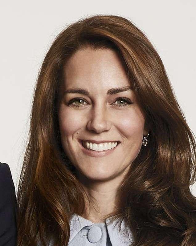 英王室:キャサリン妃、第3子となる男児出産 - 毎日新聞