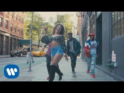 Flo Rida feat. Maluma - Hola (Official Dance Video) - YouTube