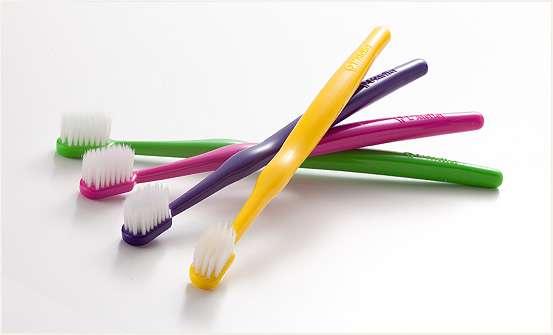歯ブラシはどのくらいの頻度で替えていますか?