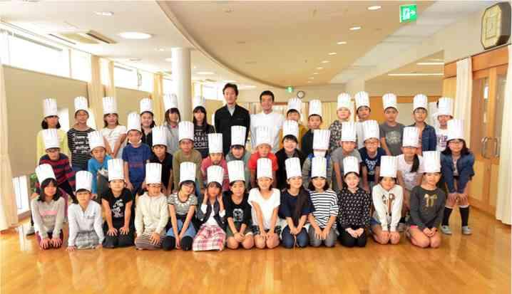 「アルマーニ」小学校で入学式=全員が着用―東京・銀座
