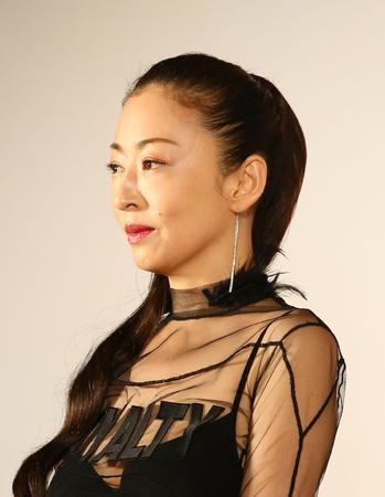 柴咲コウのドレス姿が美しすぎる 「地球人じゃない」と圧倒されるファンも