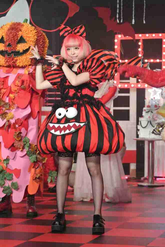 きゃりーぱみゅぱみゅ&橋本環奈&最上もが、ディズニーシー満喫 変装なし豪華3ショットに反響「奇跡」