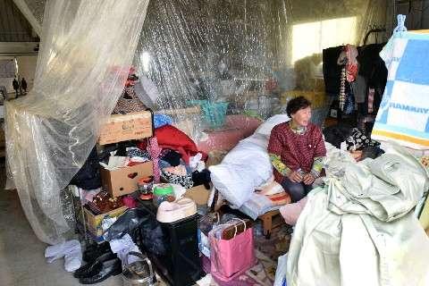 「こんなに長引くとは…」軒先・在宅避難なお548世帯 熊本地震で被災の益城町 再建見通せず|【西日本新聞】