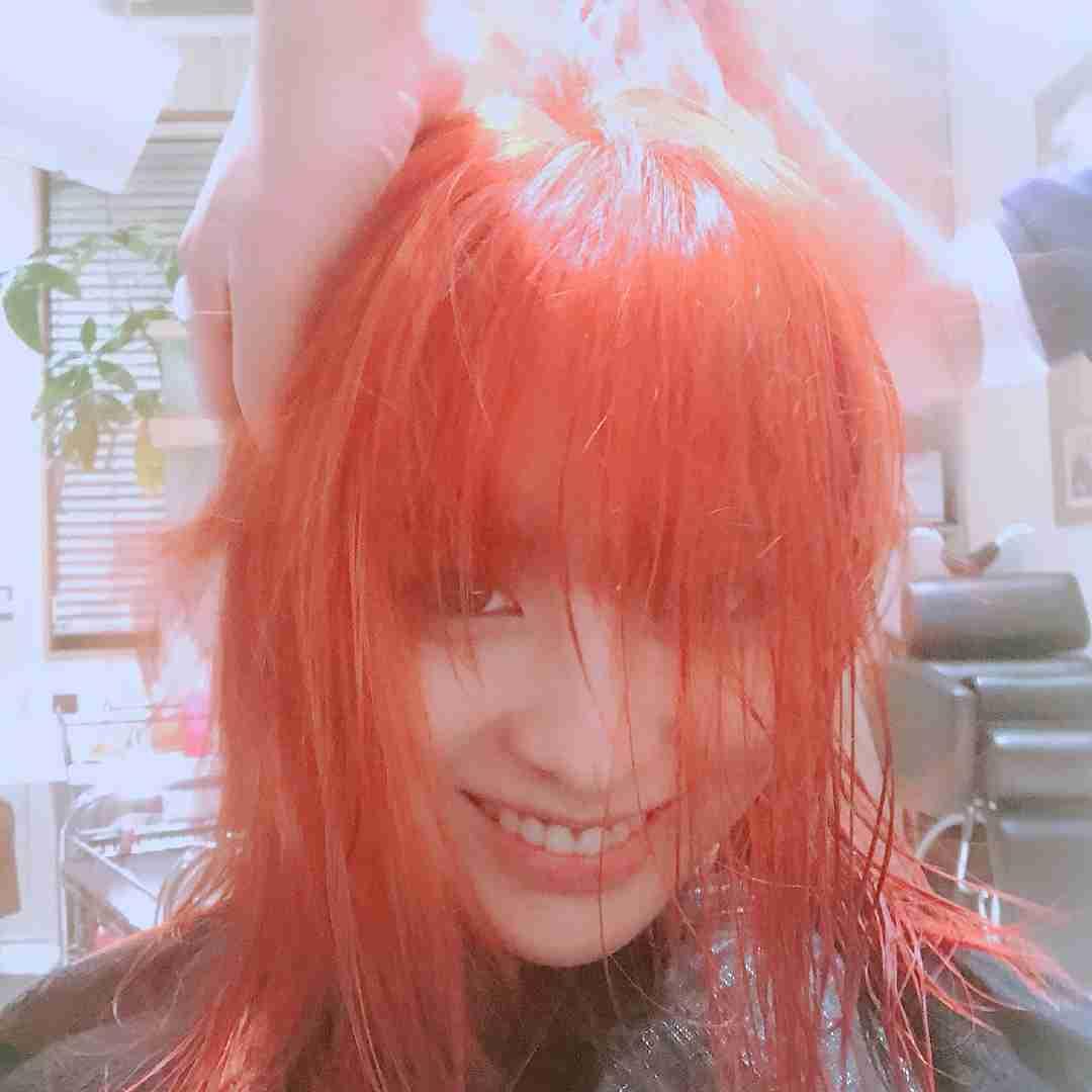 橋本環奈がド派手なヘアカラーに…!ブリーチ後は「2倍ケアしてます」