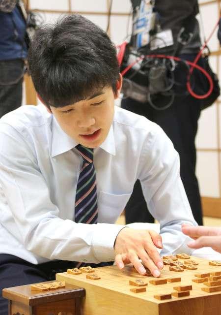 藤井聡太六段、史上最年少の七段に王手 : スポーツ報知