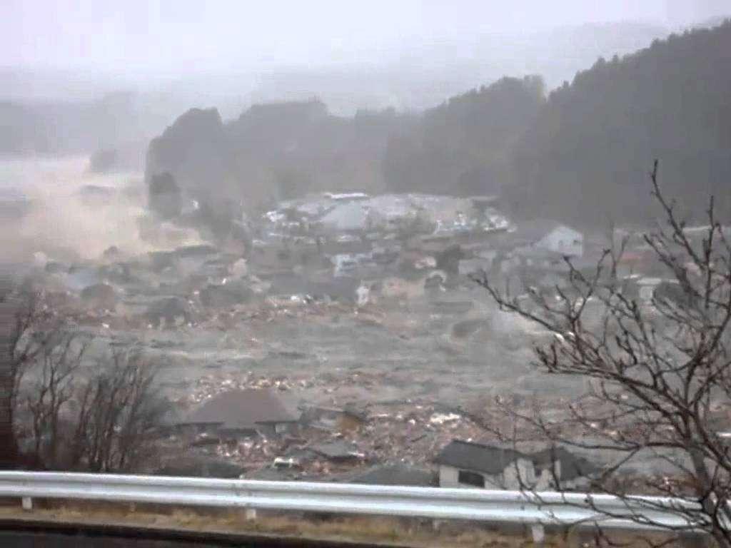 南三陸町を襲った津波の一部始終 tsunami Minamisanriku, Miyagi, japan - YouTube