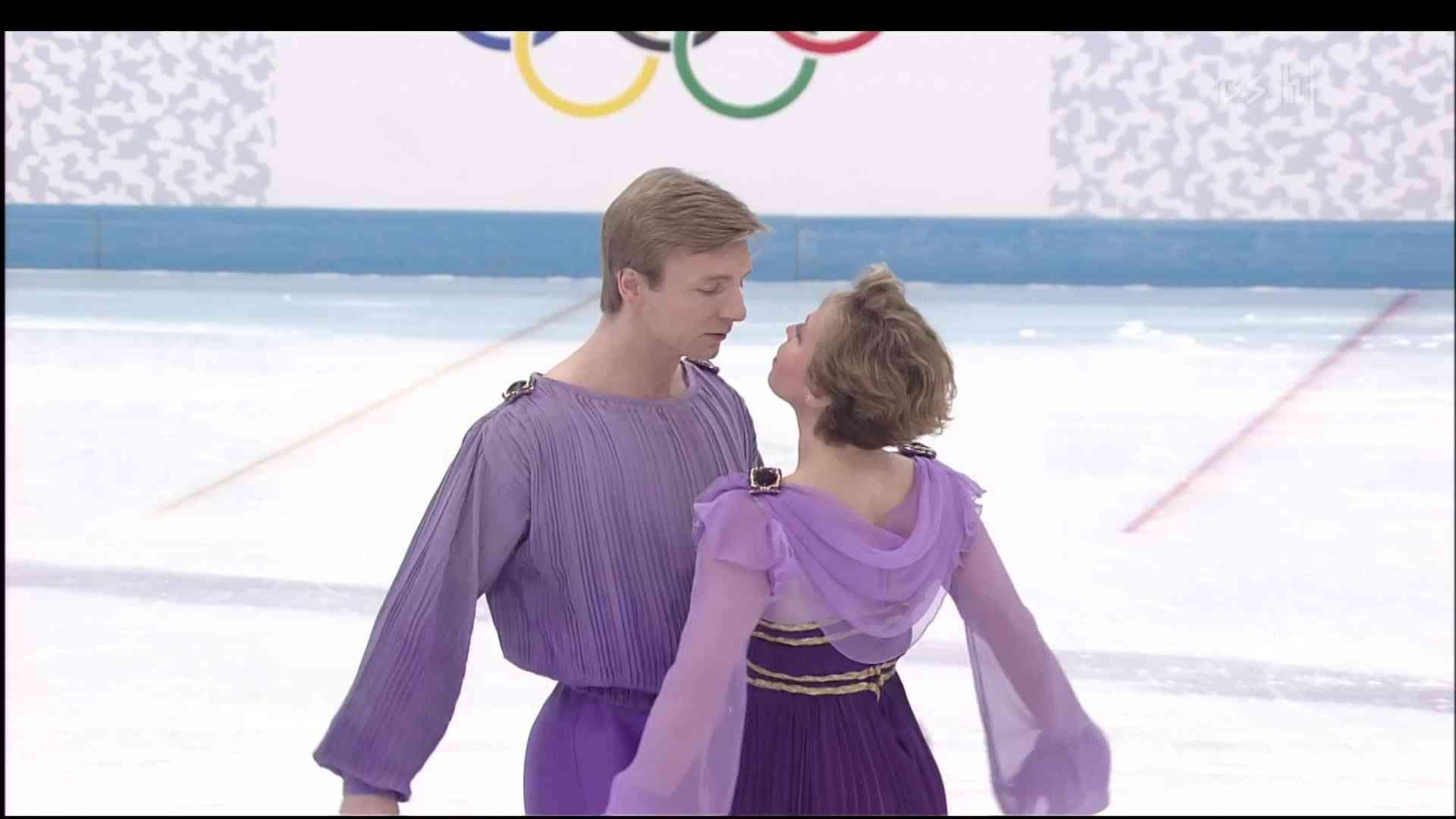 [HD] Jayne Torvill and Christopher Dean - Boléro - 1994 Lillehammer Olympic - Exhibition - YouTube