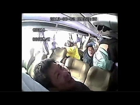 Shocking footage: Deadly Chinese bus crash caught on camera - YouTube