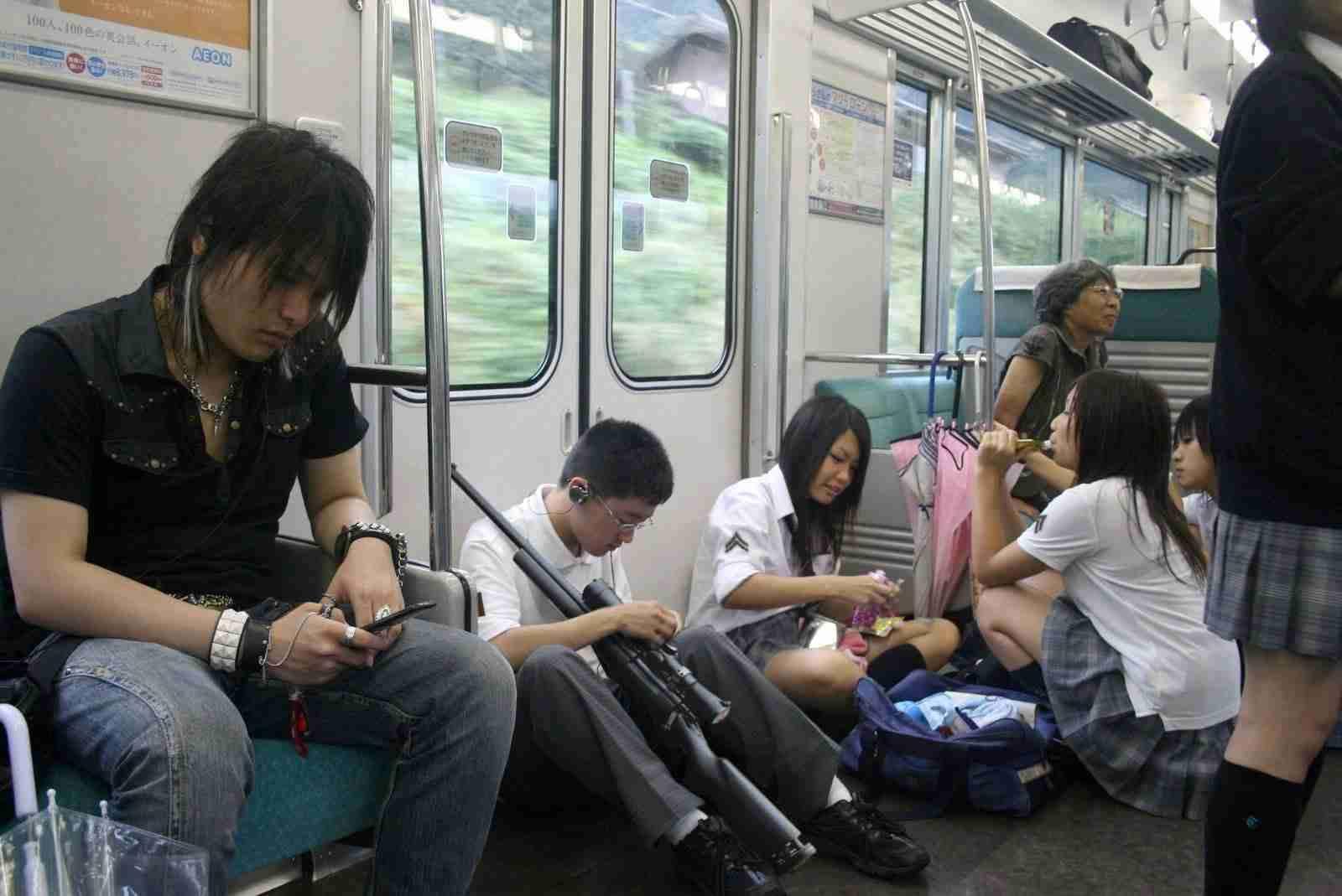 JR東、新車両に防犯カメラ 18年度製造分から「乗客のプライバシー侵害の恐れ」との指摘も