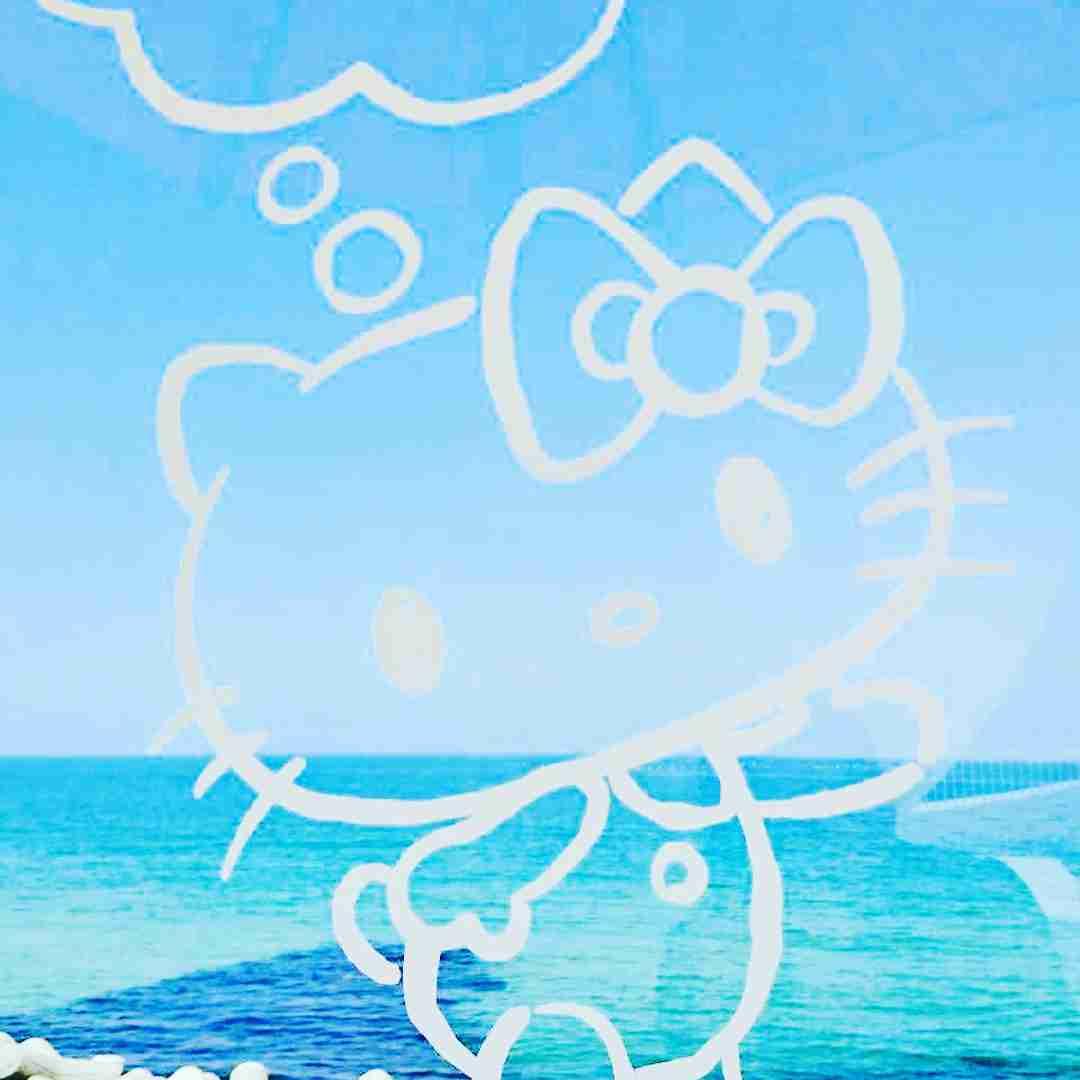 """HELLO KITTY SMILE on Instagram: """"HELLO KITTY SMILE 本日も快晴に恵まれた海を見ながらお食事をされませんか?#ハローキティスマイル#HELLOKITTYSMILE #淡路島#awaji#のじまスコーラ#miele#クラフトサーカス#オーシャンテラス#オーシャンビュー"""""""
