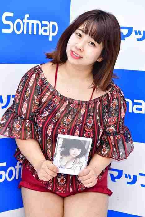 餅田コシヒカリ 初グラビアでも加藤綾子のものまね「フワ~っと見えてくると思います」