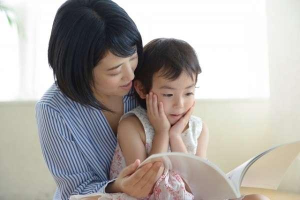 働く母親が自由に使える時間、平日は1日平均64分 時間帯は「21~23時台」が最多 | キャリコネニュース
