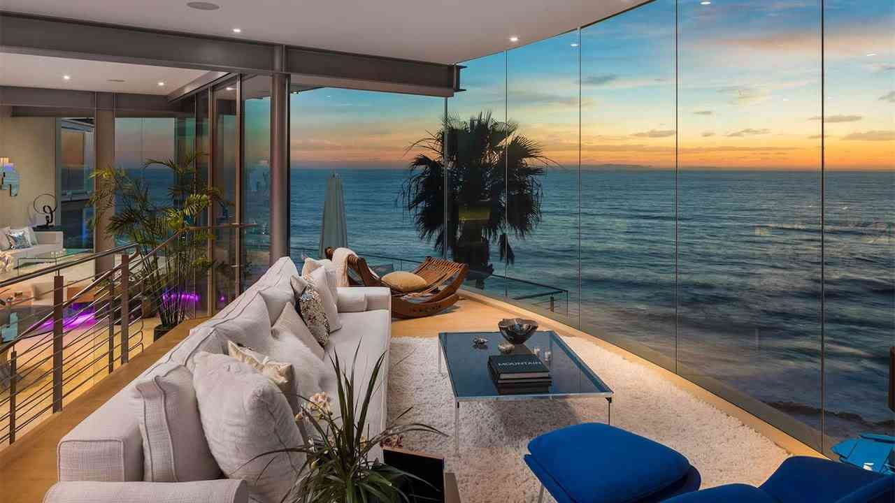 Paul McClean-Designed Floating Glass House in Laguna Beach, California - YouTube