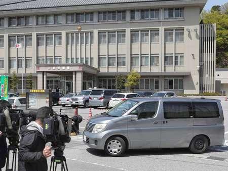「2人だけの勤務」2度目 警官射殺、逃走中両親と電話(京都新聞) - Yahoo!ニュース