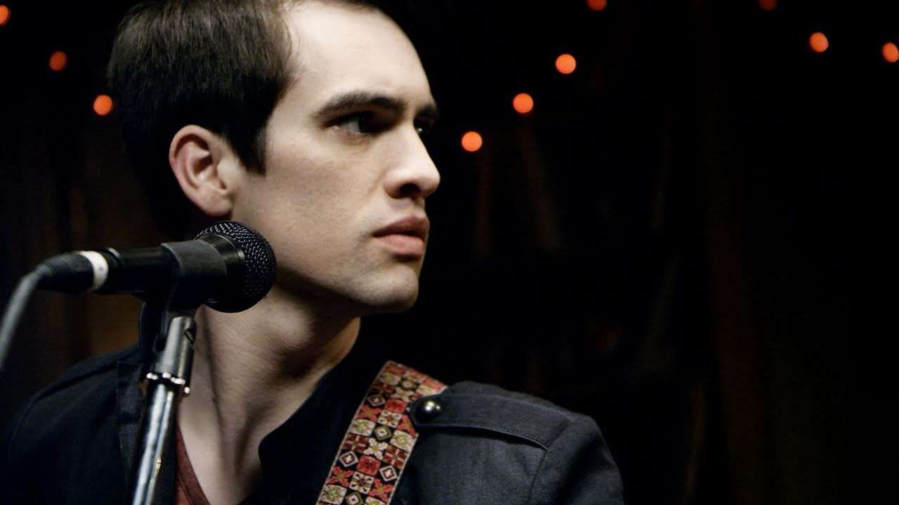 Panic! At The Disco: Ready To Go [OFFICIAL VIDEO] - YouTube
