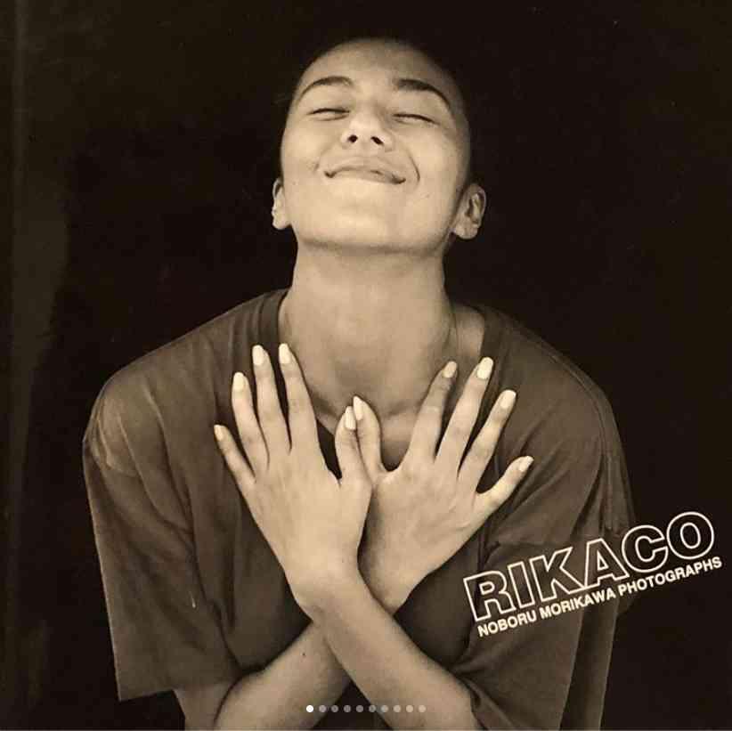 """【エンタがビタミン♪】RIKACO、すでに26年前""""菜々緒ポーズ""""を披露していた!   Techinsight(テックインサイト) 海外セレブ、国内エンタメのオンリーワンをお届けするニュースサイト"""