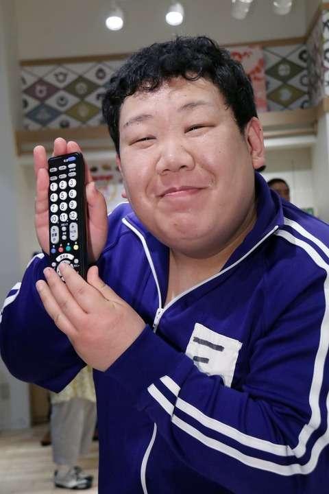 三ちゃん:「めちゃイケ」最終回「声かからなかった」 「dボタン捨てる」宣言も炎上でコンビデビュー延期 - MANTANWEB(まんたんウェブ)