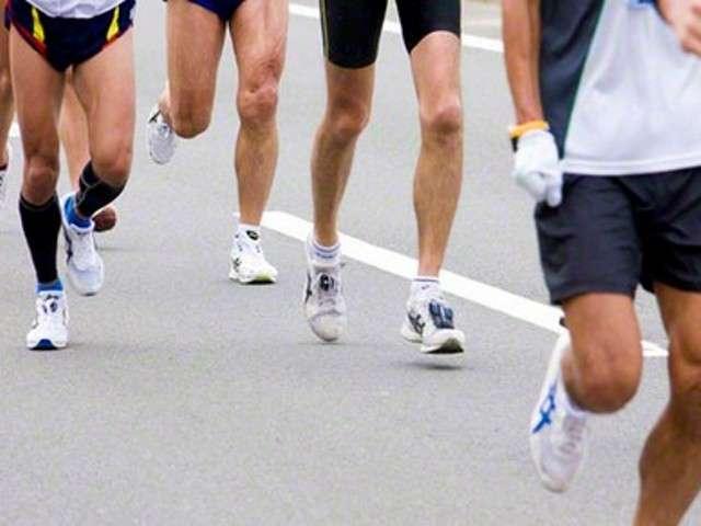 市民マラソンのゴール後、海に転落 女性が重体 - LINE NEWS