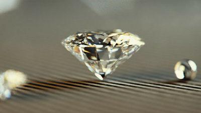 ダイヤモンドではなく「モアッサン石」の方が宝石として優れているという理由 - GIGAZINE