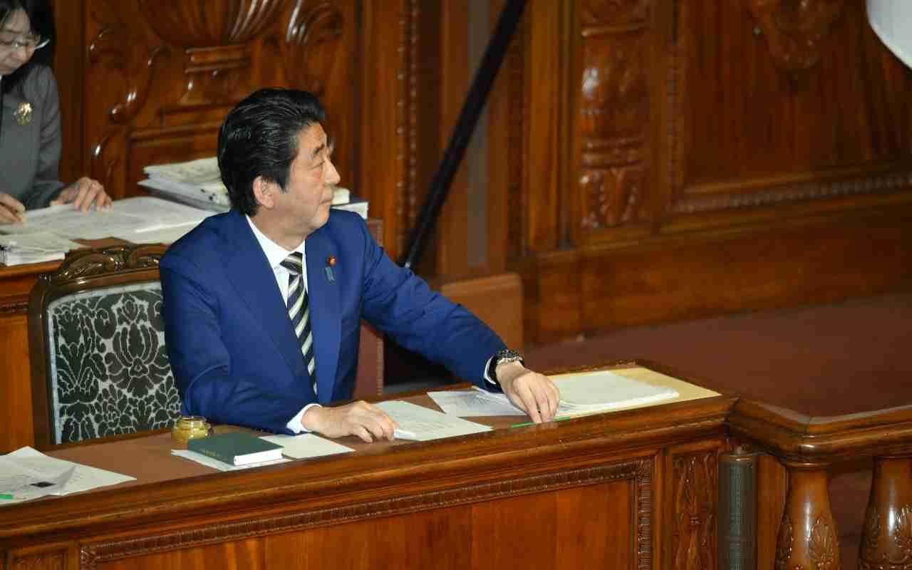 「もっと強気で行け」安倍首相は佐川氏にメモを渡していた   文春オンライン