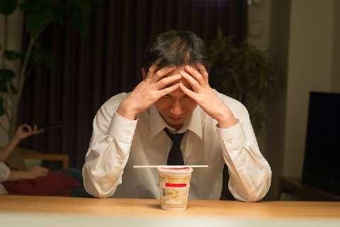 「メシハラ妻」に別室で食事させられる夫たち、おかずも違い悲痛…離婚できる? - 弁護士ドットコム