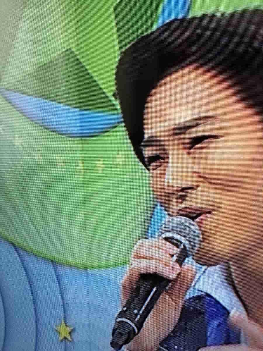 のど自慢で演歌・山内惠介に「ハエ騒動」 「完璧なまでのオチ」にネット沸く