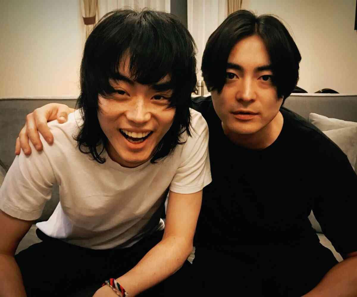 山田孝之&菅田将暉、オフショット公開でファン歓喜「最強コンビ」「たまらない」