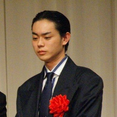 菅田将暉、父親が暴露本出版で事務所が困惑…知られざるデビューの秘密   ビジネスジャーナル