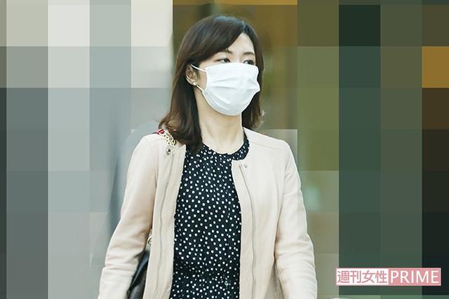 二宮和也の自宅を頻繁に出入りする伊藤綾子 週刊女性PRIMEが撮影 - ライブドアニュース