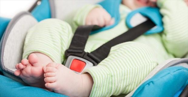 チャイルドシートに座らせた娘が、事故で「車外」まで飛び出した。理由を知って震える | BUZZmag