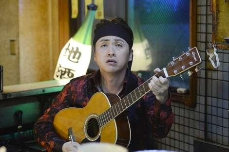 アンジャッシュ児嶋一哉、ドラマでギターの弾き語り「長渕剛さんを意識」