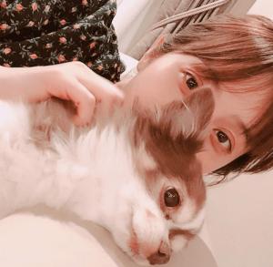 佐々木希、愛犬との自撮りに「顔色が悪い」「すっぴん?」などと心配の声が続出(1ページ目) - デイリーニュースオンライン