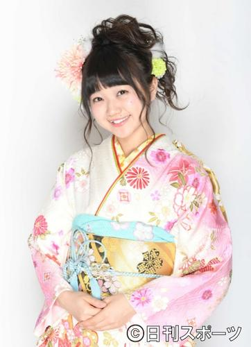 AKB48の稲垣香織が後頭部を骨折 コンサート中にステージから落下