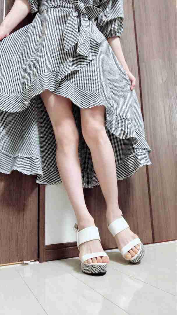 後藤真希、ミニスカートで美脚披露に「めっちゃ美脚」「理想」の声