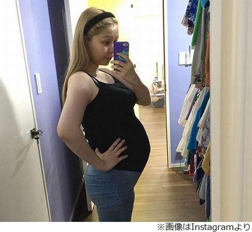 ぺこ「もうぽんぽこりん」妊娠9か月のお腹披露