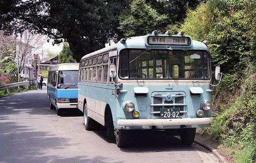 免許ない82歳にバス運転させた疑い、社長逮捕