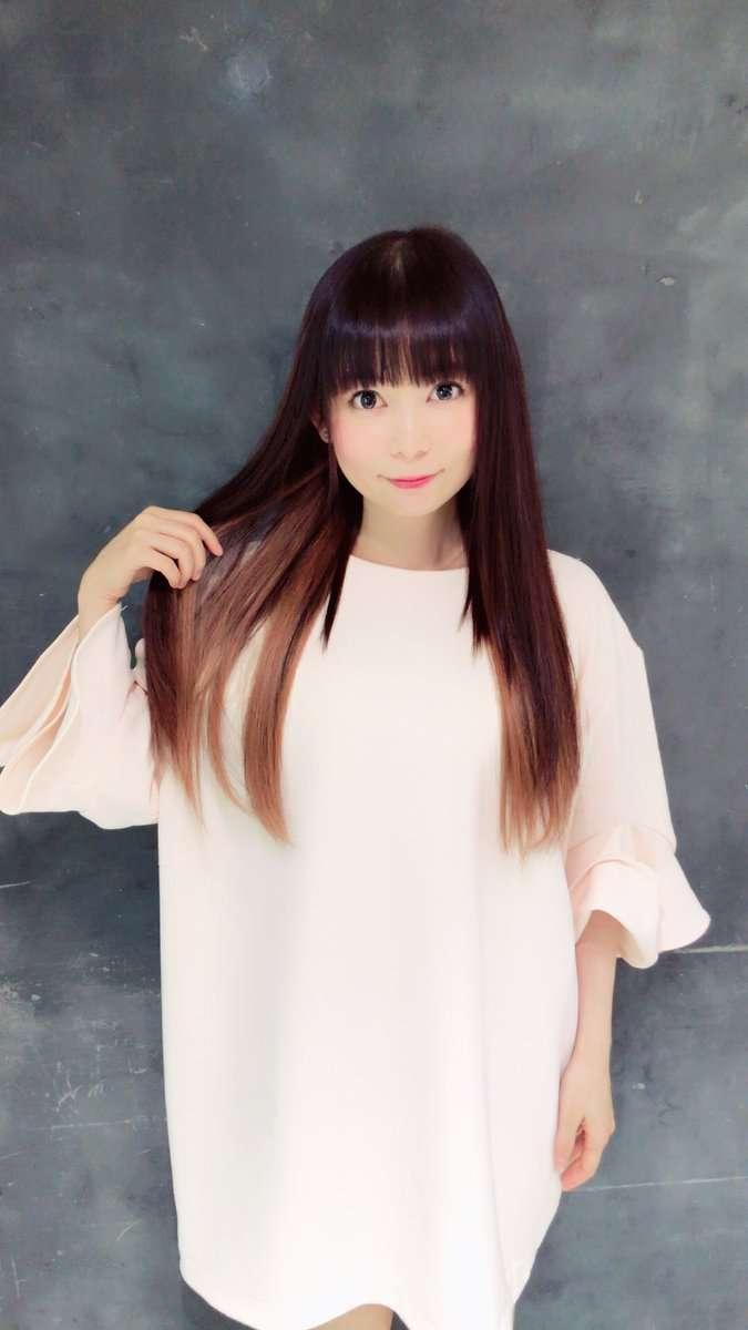 """中川翔子、髪を""""イーブイ""""色に ポケモン新作発表で愛が炸裂"""