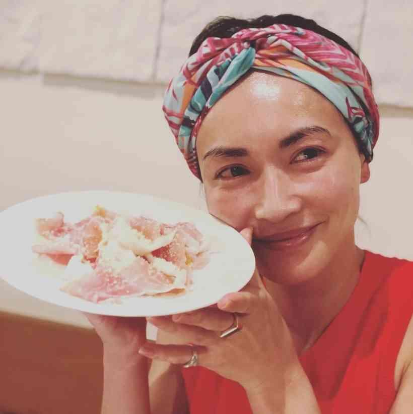 【エンタがビタミン♪】長谷川京子のターバン姿に絶賛の声「お肌ツヤツヤ、本当お美しい~」 | Techinsight(テックインサイト)|海外セレブ、国内エンタメのオンリーワンをお届けするニュースサイト