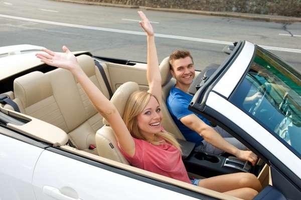 「車のない都会の恋愛が想像つかない」にツッコミ殺到「車は移動手段に過ぎない」「いくらでも二人きりの空間を借りられる」 | キャリコネニュース