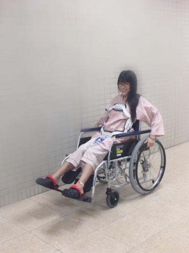 仮面女子・猪狩ともか、脊髄損傷で車椅子生活に 強風で看板直撃