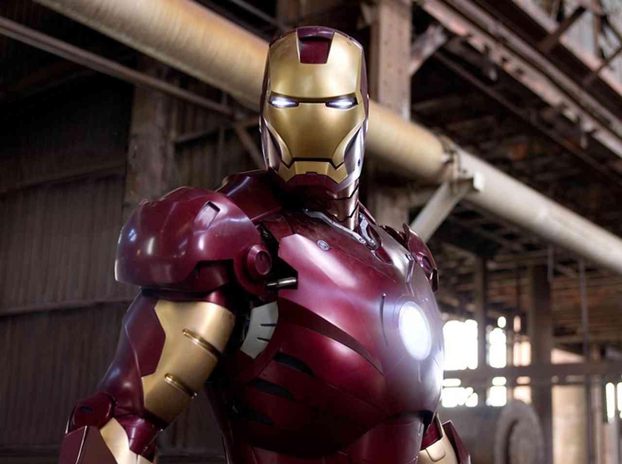 ロバート・ダウニー・Jrが着用した3千万円超「アイアンマンスーツ」が盗まれる - FRONTROW