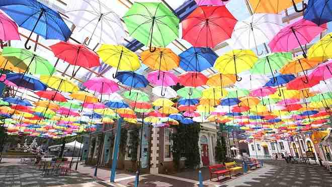 晴れの日も雨の日も楽しいハッピー!アンブレラストリート|イベント&ニュース|ハウステンボスリゾート