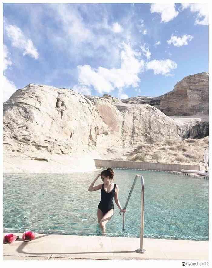 小嶋陽菜、美ボディ解放 ユタへのバースデートリップが「絵になりすぎ」と話題 - モデルプレス